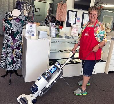 Thrift Shop Linda D - REV.IMG_3610